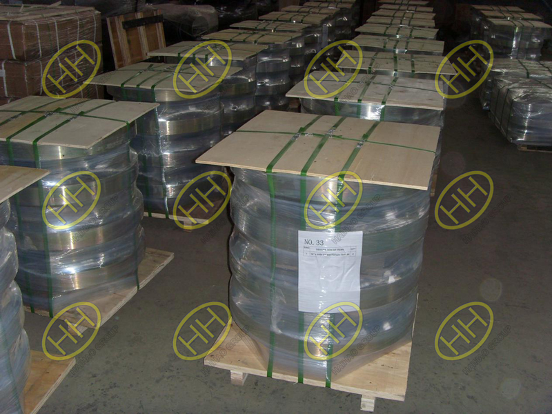 Pallets packing for flanges
